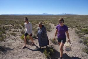 Chercher l'eau au puit - Bolivie