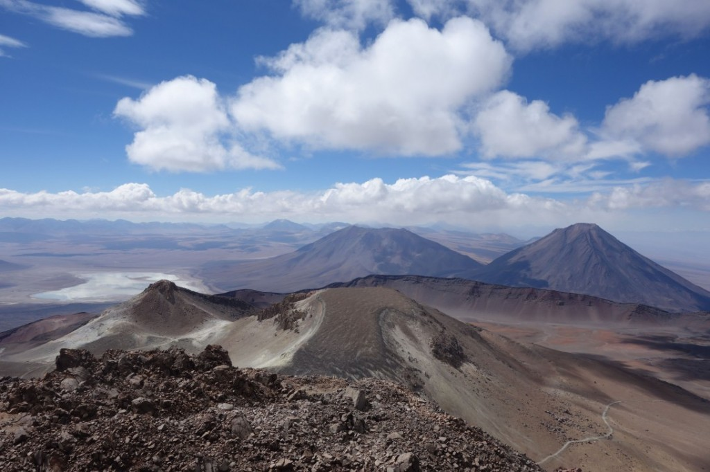 Licancabur vu depuis le Cerro Sairecabur